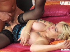 Scambisti Maturi - Fat Booty Granny Getting Anal From A Hard Stud
