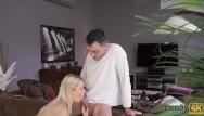 Teens with boners Daddy4k. sehr nette blonde miss will alten boner anstatt zu putzen