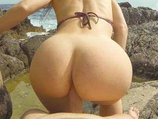 I found her on nudist beach and enjoyed in sounds of waves and cock sucking