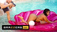 Curvy ebony pornstar pics Brazzers - busty and curvy ms yummy los big white cocks