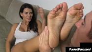 Isabella sky pantyhose Hot tan brunette leena sky gets her sweet feet worshiped foot fucked