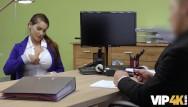 Cheshire escort agency Vip4k. une jeune fille sans emploi vient dans une agence de prêt et se salit