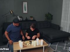 Mencom - Bear Stud Alex Mecum Wet Smash Michael Delray's Culo On Couch