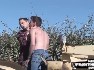 American jock breeded after giving blowjob
