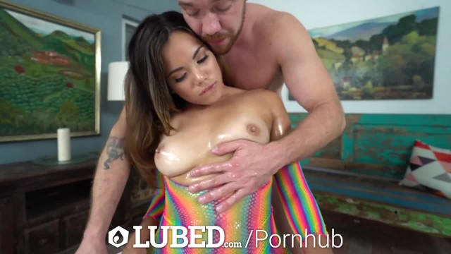 LUBED Horny Chicks Suck Big Dicks & Use Toys