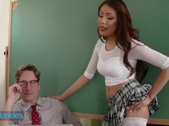Reality Maniacs - Youthful Sami Parker Tempts Her College Professor Will Banger