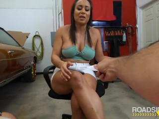 Roadside – Hot Latina Plays With Hot Car Mechanic For Discount