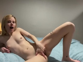 Fingering herself for Daddy
