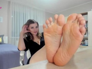 Divine and wrinkled soles to worship