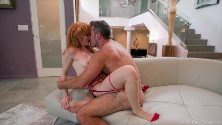 Red Head Beauty Lacy Lennon Squirting