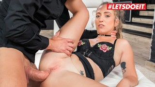 lesbian pussy licking party