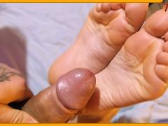 Pose Blowjob Sohlen Füße Fußfetisch Asia