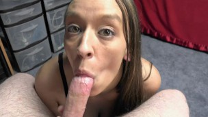 ChickPass – Horny wife Nicci Taylor blows a lucky geek