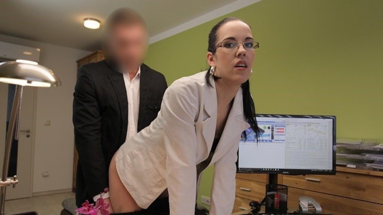 LOAN4K. El agente puede darle un préstamo al bebé si satisface todas sus ne ...