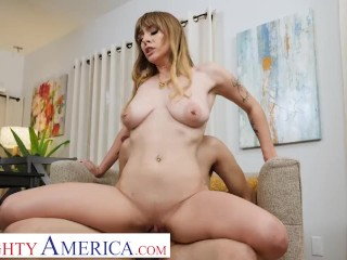 Naughty America – Angel Youngs drops to her knees and starts sucking cock before riding it
