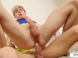 Twink Bottom Raw Rides Massive Dick