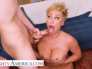 Naughty America – Ryan Keely is relaxing in her hot tub but soon she finds she isn't alone