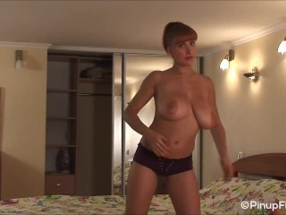 Valory Fleur uncovers her big natural boobs for you to see