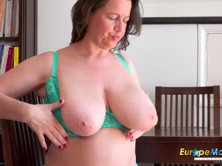 EUROPEMATURE Old mature lady is playing with her gorgeous body