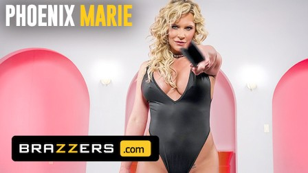 Brazzers - Johnny Castle uses special Brazzers videogame to control big tit Phoenix Marie