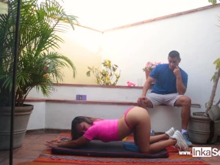 Personal trainer peruana seduce a su alumno