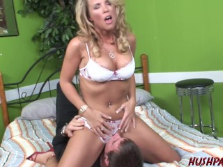 Every Nerd needs a Sex Ed Teacher like Rockin' Hot Kayla