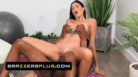 Brazzers - Azul Hermosa Gets Turned On While Doing Yoga And Gets A Different Kind Of Training