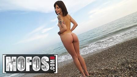 Mofos - Jordi El Nino Polla & Silvia Soprano Meet At The Side Of The Beach & Have Outdoor Sex