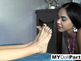 Kayla Jane and Sovereign play