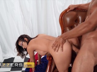 Brazzers – Painter Alexis Fawx Seduces Hunk Johnny Castle And Gets His Huge Dick In Her Pussy