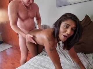 Cuck filming how his Indian girlfriend gets fucked by a white guy and gets a creampie