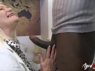 AGEDLOVE Super hot blonde mature seduced handy guy for herself