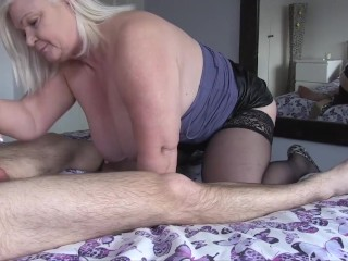 LACEYSTARR - Watch Granny Lacey as she sucks off her new toy