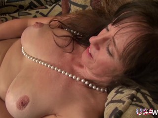 USAWIVES Two busty mature ladies playing with their toys